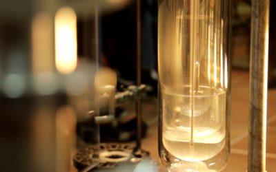 Eksperymenty z ciekłym azotem i ciekłym helem
